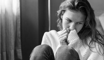 Sosyal Medya Genç Kızları Depresif Yapıyor