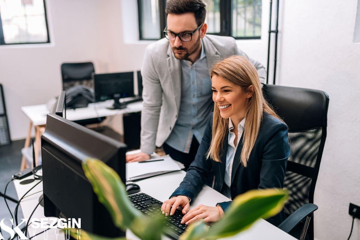 İşyerinde Motivasyon Nedir?: Kuramlar, Türler ve Örnekler