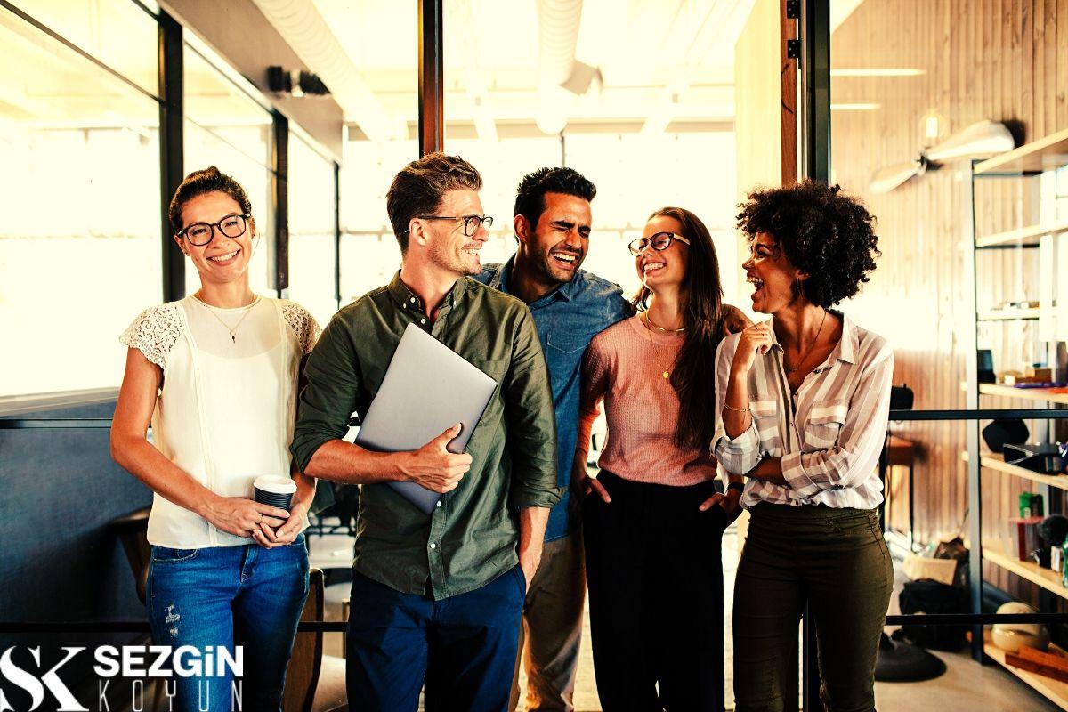 Örgütlerde İş Bölümü Nedir? – Avantajları ve Dezavantajları
